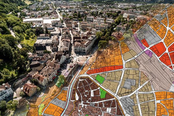 Geoinformatik ermöglicht die Verbindung der realen Welt zum Plan