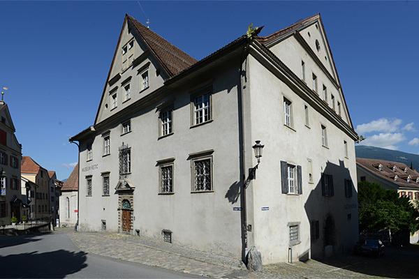 Im Haus Buol, dem heutigen Rätischen Museum, wird die Geschichte Graubündens für Jung und Alt spannend und unterhaltend präsentiert.