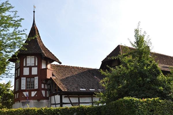 Schlössli mit Turm (Foto Franziska Ryter 2012)