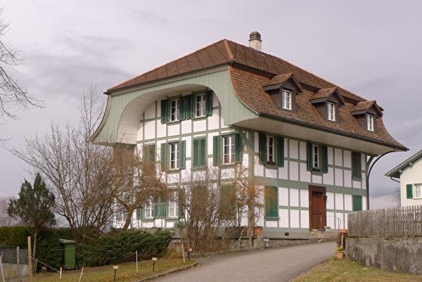 Wohnhaus in Richigen, ehemals mit Postbüro (Foto Monica Cloetta 2013)
