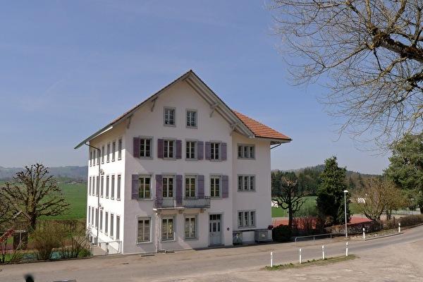 Schulhaus Vielbringen (Foto Monica Cloetta 2013)