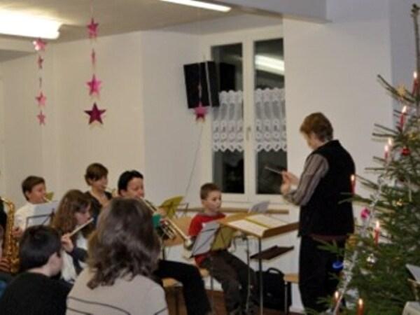 Weihnachtsmusik im Schulhaus Asp