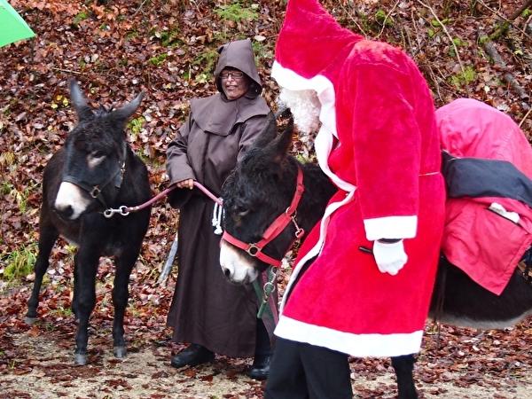 Samichlaus, Schmutzli und zwei Esel