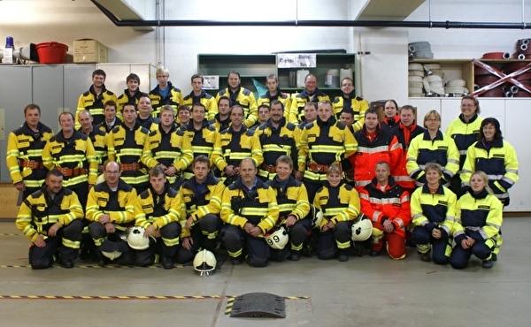 Mannschaft der Feuerwehr Densbüren