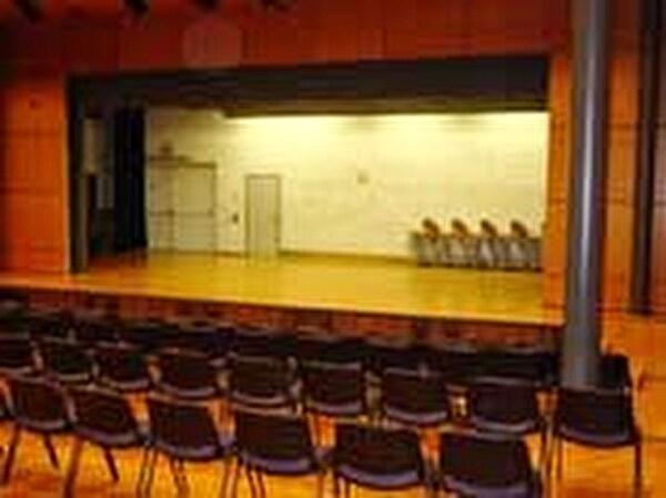 Bühne Aula Orientierungsschule