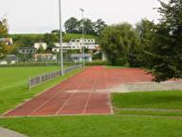 Leichtathletikbahn