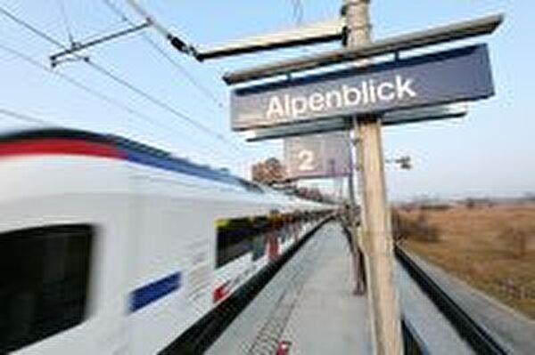 Stadtbahn beim Alpenblick