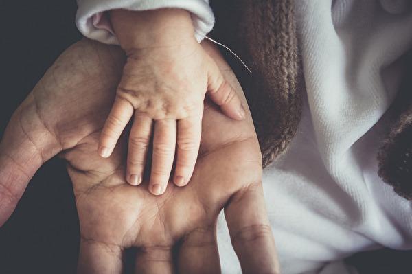 Hand in Hand durch das Leben