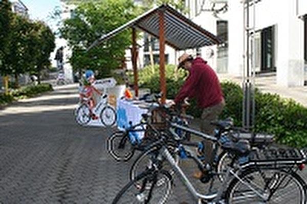 Bike4Car Stand mit Velos