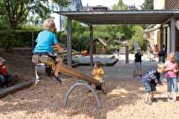 Spielplatz Schulhaus u. Kindergarten Kirchbühl