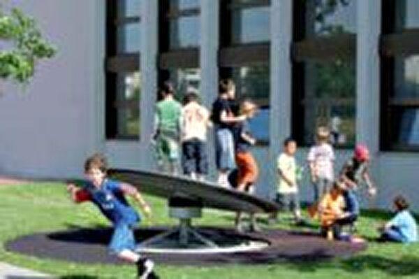Spielplatz Schulhaus Hagendorn