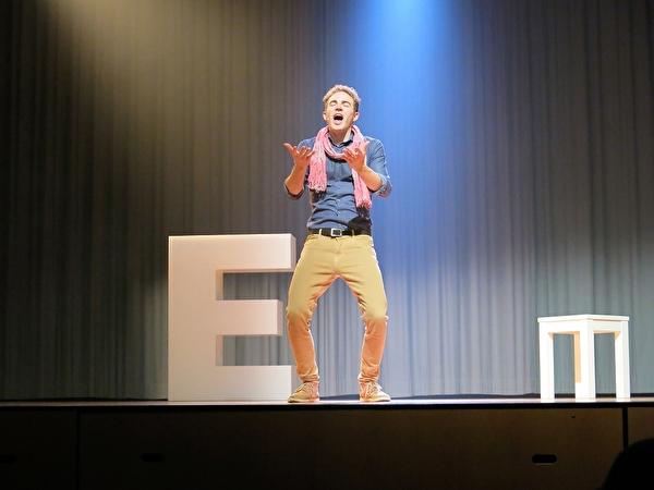 Michael Elsener auf der Bühne