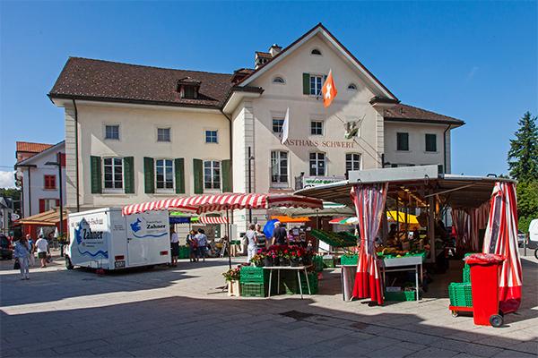 Am Freitag ist Markttag auf dem Schwertplatz