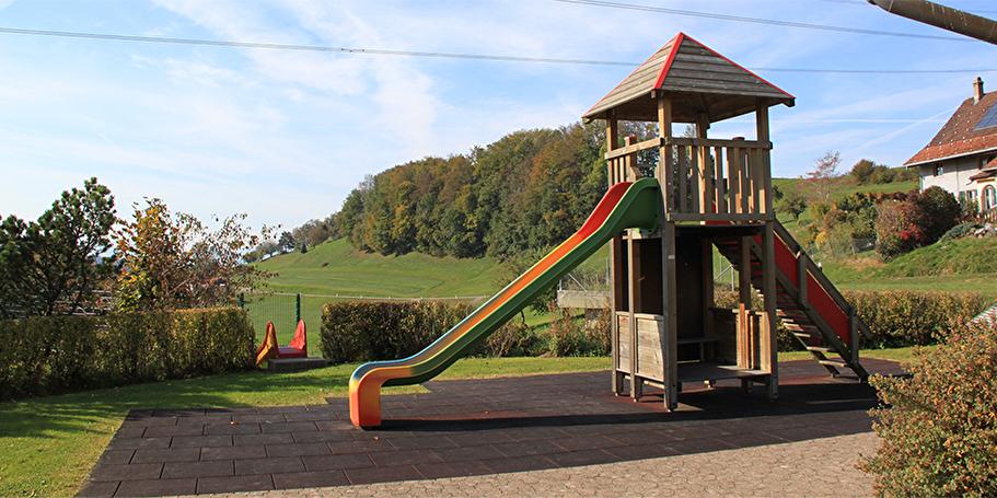 Spielplatz Schulhaus Hüebli