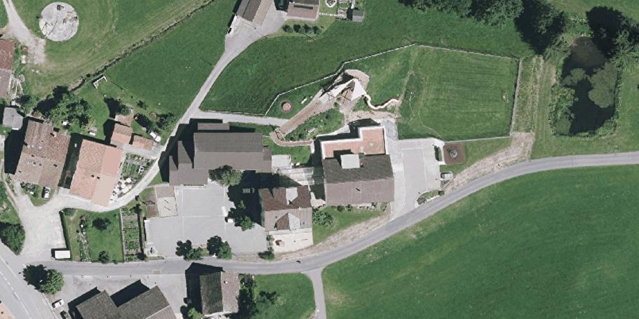 Schule Ried, Rasenspielfeld