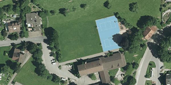 Schule Laupen, Rasenspielfeld