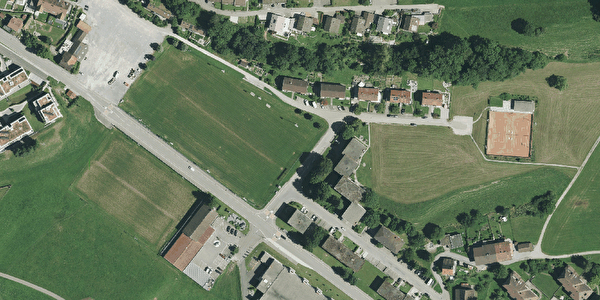 Sportplatz, Hauptplatz