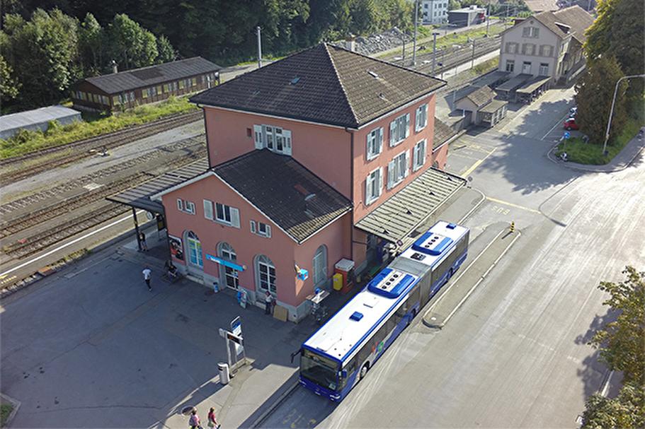 Der Bahnhof Wald ist Start für viele kürzere und längere Reisen