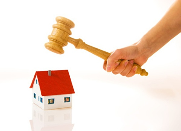 Bei einer Grundpfandverwertung kann es zu einer zwangsrechtlichen Versteigerung des Grundstückes kommen