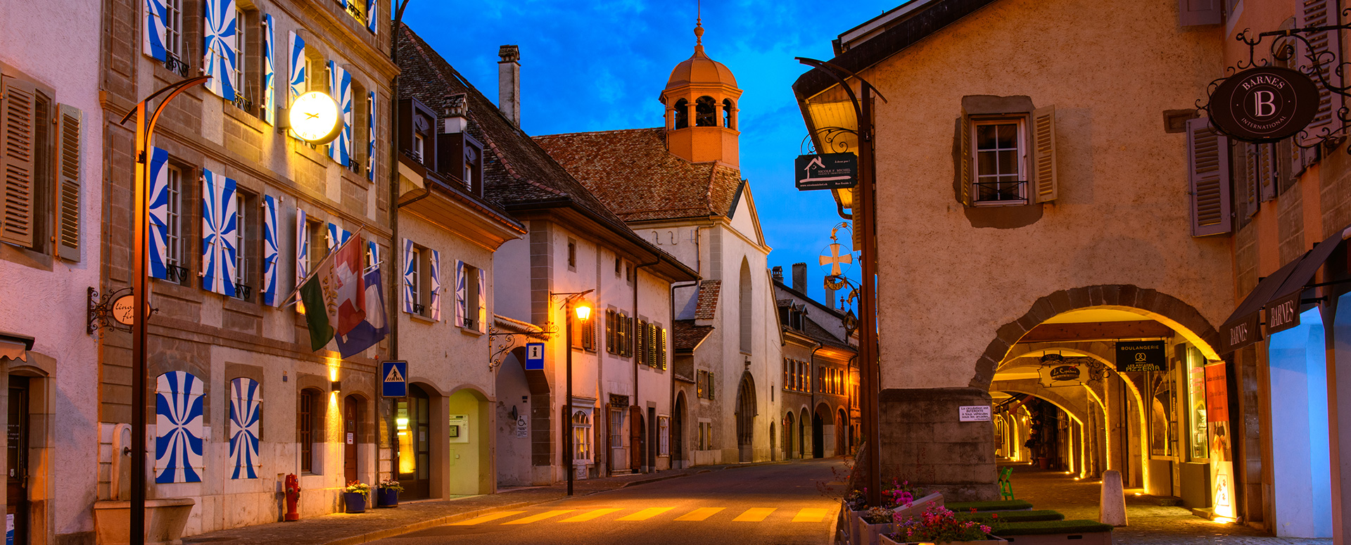 Photo de la Grand-Rue et des arcades