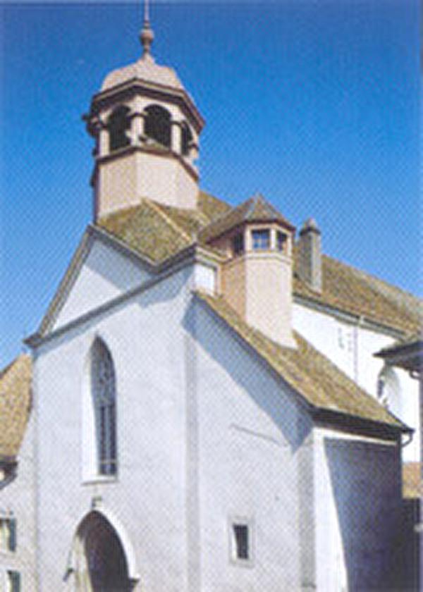 Vue du Temple et de son clocher depuis la Grand-Rue