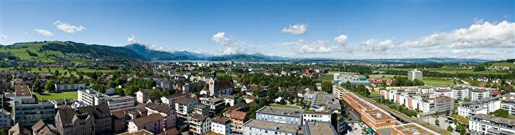 Baar mit Blick Richtung Zugersee und Alpen