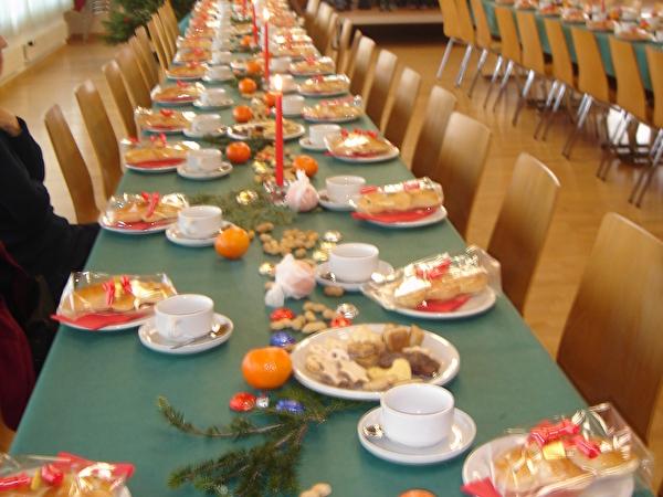Tischgedecke der Weihachtsfeier