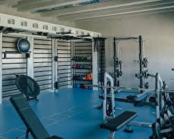salle fitness et engins