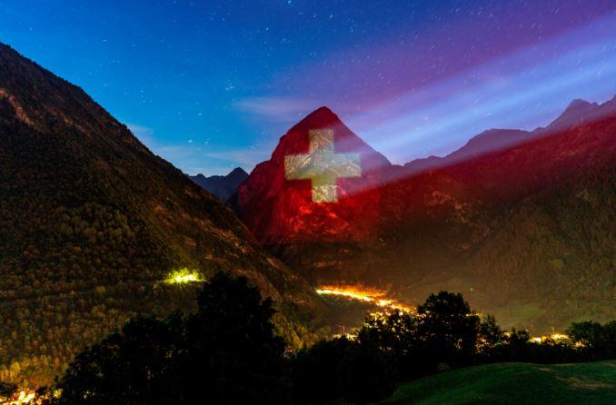 Il Sosto (Das Matterhorn des Bleniotals mit 1. Augustbeleuchtung