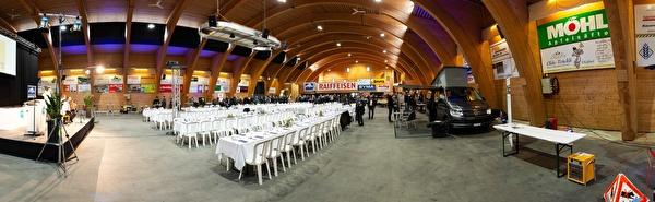 In der Markthalle finden vielseitige Veranstaltungen statt, darunter auch der wöchentliche Viehmarkt.