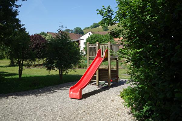 Spielplatz beim Schulhaus