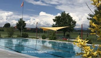 Sicht auf das Schwimmbecken