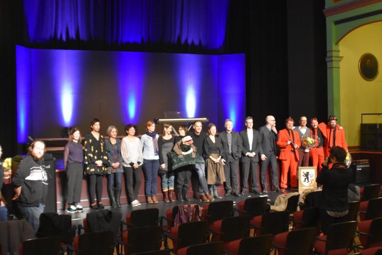 Preisträgerinnern und Preisträger 2018 zusammen mit ihren Laudatio-Sprecherinnen und -Sprecher