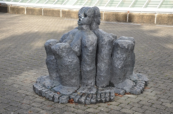 Rudolf Blättler - Dreiweib und Brunnen