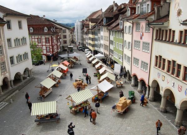 Marktstände in der Wiler Altstadt