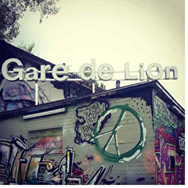 Schriftzug und Aussenansicht Gare de Lion