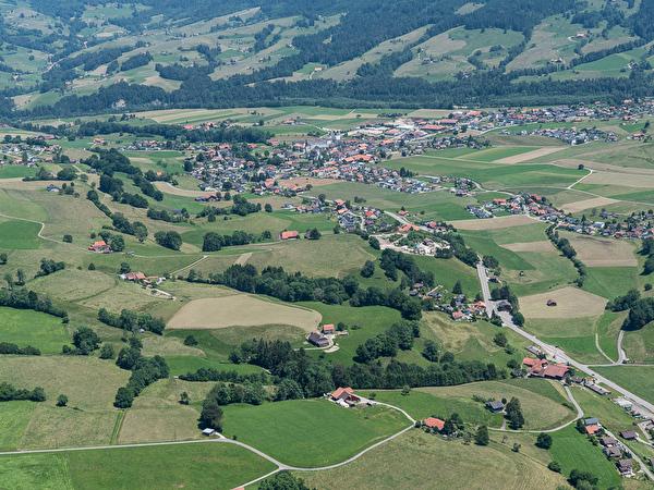 Blick von Neuhaus (Westen) her