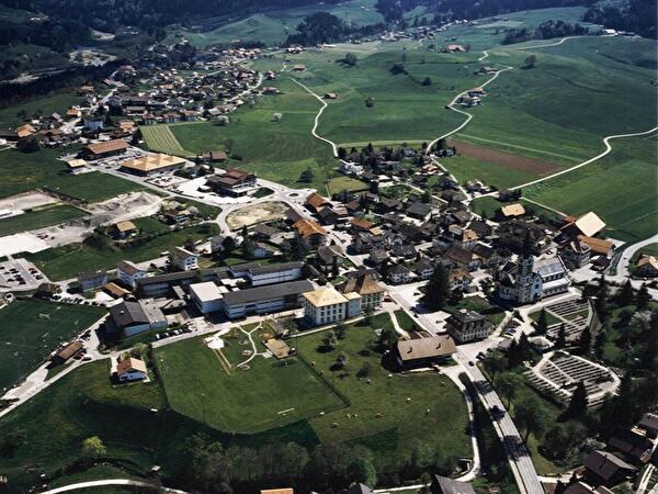 Dorf Plaffeien ums Jahr 2000