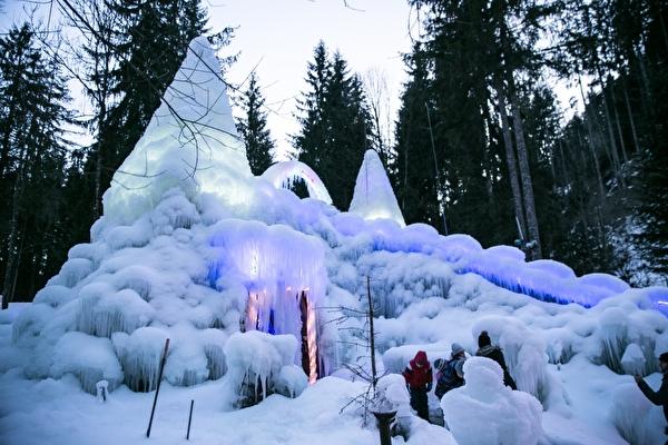 Eispaläste Sturnena, Schwarzsee