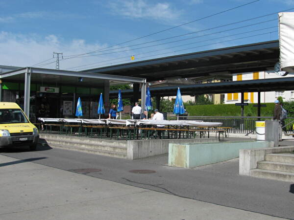 Vorbereiten des Festplatzes am Bahnhof