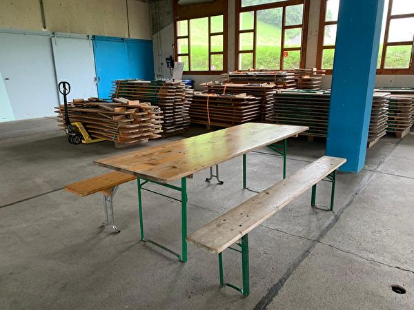 Table et bancs
