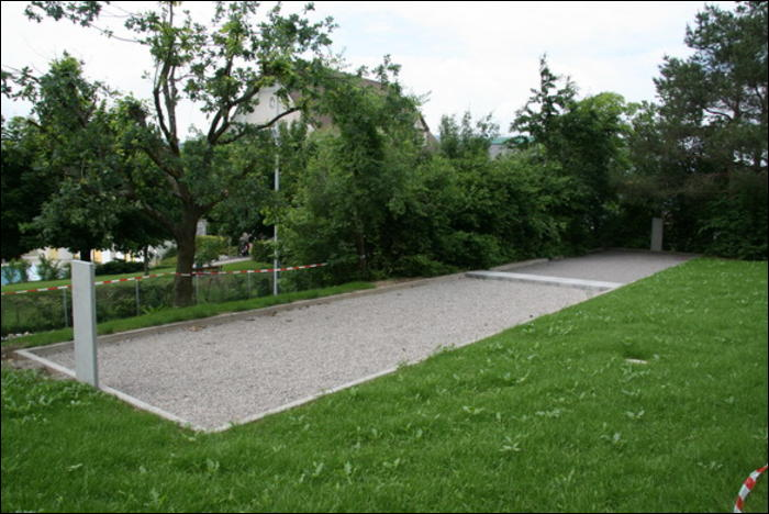 De Pétanque-Anlage lädt zum Spielen ein