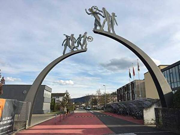 Eingang Kreisschule Rheintal-Studenland