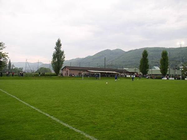 Fussballplatz Breite