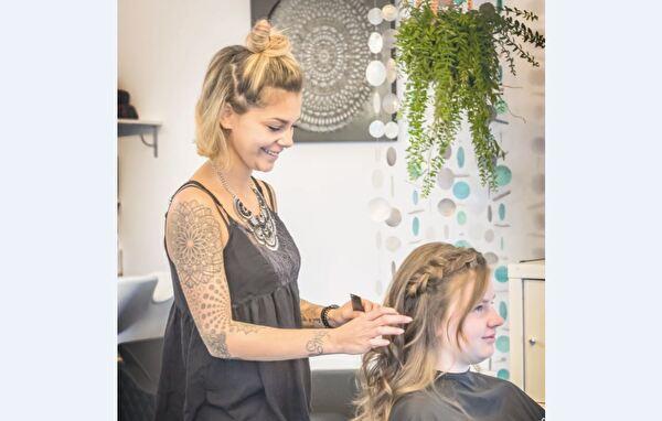 Steffi Schaub vom Coiffeur Haarscharf