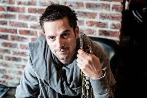 Mann mit Trompete