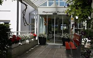 Eingang Pflegezentrum