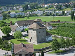 Schlossturm in Schlossanlage