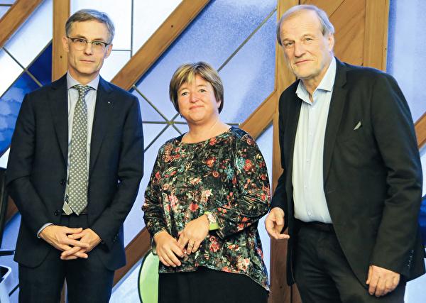 Der neu gewählte Stadtpräsident Karl Kobelt (links), Stadträtin Vroni Straub-Müller und der amtierende Stadtpräsident Dolfi Müller.