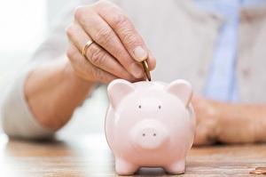 finanzielle und administrative Hilfe